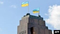 Залишки пам'ятника Леніну в Харкові