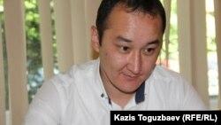Юрист Ердос Абикеев, представитель Казкоммерцбанка. Алматы, 13 мая 2016 года.