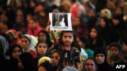 На ще одній демонстрації на підтримку Малали Юсафзай. Карачі, 10 жовтня 2012 року