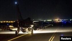 Ֆրանսիական օդուժի ինքնաթիռը թռիչք է կատարում՝ Սիրիայի տարածքում գործողությունների համար, 15-ը նոյեմբերի, 2015թ․
