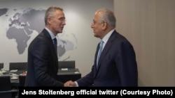 АҚШнинг Афғонистондаги махсус вакили Залмай Халилзод Брюссель шаҳрида НАТО бош котиби Йенс Столтенберг билан учрашди.
