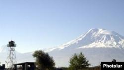 Դիտակետ հայ - թուրքական սահմանին