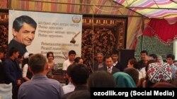В Мархаматском районе Андижанской области празднуют день рождения известного поэта Мухаммада Юсуфа.