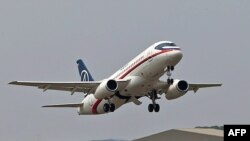 Sukhoi Superjet 100 очкычы