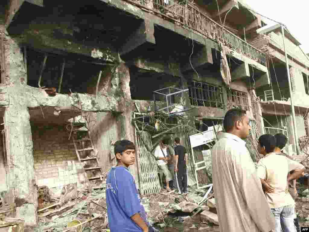Более сорока человек погибли и около семидесяти получили ранения в результате теракта в Багдаде - Более сорока человек погибли и около семидесяти получили ранения в результате теракта в Багдаде