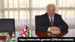 Посол Великобритании в Туркменистане Хью Филпотт