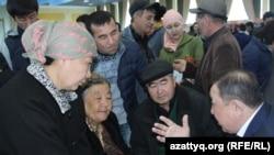 На ярмарке вакансий в Шымкенте. Февраль 2017 года.