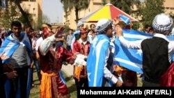 مشهد من احتفال طلبة جامعة الموصل