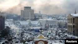 Дым над центром Киева 23 января утром