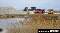 На «замороженной» Сакской набережной: что ждет крымских отдыхающих (фотогалерея)