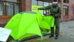 Учасник війни на Донбасі розпочав сухе голодування. Відстоює спорткомплекс (відео)