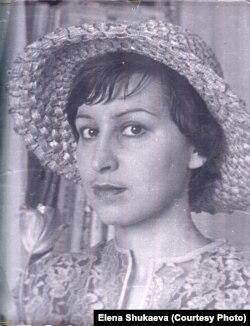 Анна Пастухова в юности