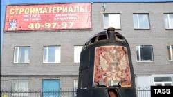 """И сторонники, и противники создания памятника """"Курску"""" в Мурманске опасаются, что рубка подлодки станет еще одним громким рекламным проектом для спонсоров"""