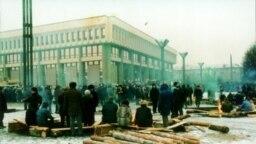 Ля будынку ВС Літвы, студзень 1991 г.