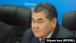 Начальник управления земельных отношений Южно-Казахстанской области Серик Турбеков. Шымкент, 20 ноября 2015 года.