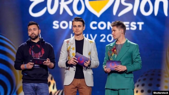 Тімур Мірошниченко, Олександр Скічко (посередині) та Володимир Остапчук. Київ, 10 травня 2017 року