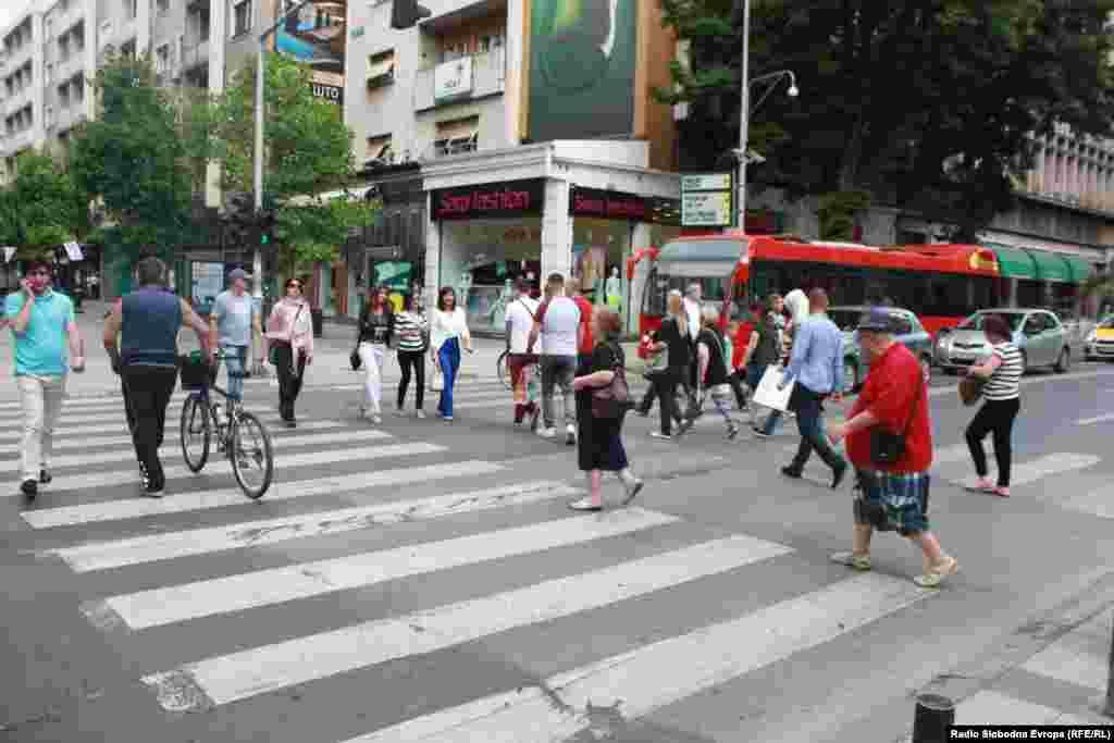МАКЕДОНИЈА - Министерката за труд и социјална политика Мила Царовска изјави дека зголемување на старосната граница нема да има, а пензиите се стабилни и безбедни.