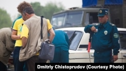 Endi alohida sertifikatlangan o't o'chirgichi bo'lmagan avtomobillar egalari katta miqdorda jarima to'lashlariga to'g'ri keladi.