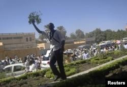 Декабрь 2012 года. Одна из последних протестных демонстраций в Хартуме - в связи с убийством военными четверых студентов из Дарфура
