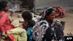 Пәкістандық әйелдер. Лахор, 21 ақпан 2012 жыл. (Көрнекі сурет)
