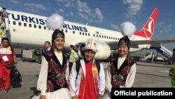 Иззат Артыков в аэропорту Бишкека.