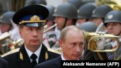 Віктор Золотов (л) і Володимир Путін