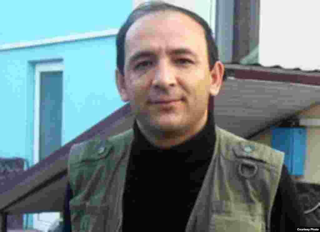 "Хуршед Атоулло, ""Фараж"" - http://rus.ozodi.org/content/press_trial_tajikistan/10829532.html"