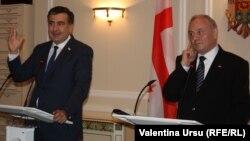 Mihail Saakașvili și Nicolae Timofti la Chișinău, vineri 12 iulie 2013.