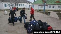 Donaţii umanitare pentru şcoala auxiliară din Nisporeni aduse de Florin Pindic Blaj