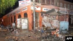 انفجار چند بمب در شهر جیپور دست کم ۸۰ کشته بر جای گذاشته است. (عکس: AFP)