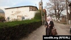 Uzbekistan - spring in Tashkent, mosque in old town of Tashkent, 31 March 2014.