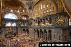Современные интерьеры Собора Святой Софии в Стамбуле