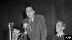Albert Kamyu və amerikalı sülh aktivistləri, 1948