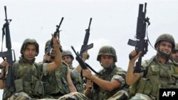 درگيری های روز دوشنبه، ۱۱ ژوئن ميان سربازان لبنانی و شبه نظاميان اسلامگرا در اردوگاه نهرالبارد، چند کشته و زخمی بر جا گذاشت.