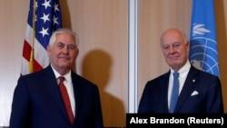ABŞ dövlət katibi Rex Tillerson (solda) və BMT-nin Suriya üzrə xüsusi elçisi Staffan de Mistura Cenevrədə görüşüblər