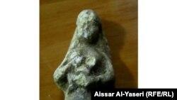 منحوتة عراقية قديمة تصوّر مرأة