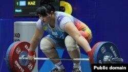 Казахстанская тяжелоатлетка Александра Аборнева, которую обвинили в применении допинга.