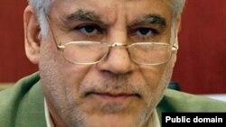 محمود بهمنی، رئیس کل بانک مرکزی ایران .