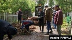 Уфада татар зиратында өмә, архив фотосы