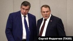 Члены российской делегации в ПАСЕ Леонид Слуцкий (слева) и Петр Толстой