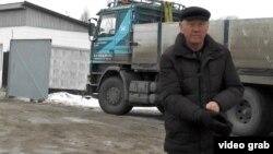 Маулен Изгутты, мастер компании, которая прокладывает водопровод в селе Жалгамыс. Алматинская область, 25 декабря 2014 года.