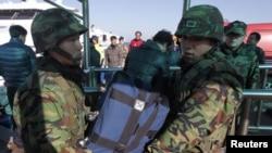 Маринците на Јужна Кореја на остовот Јеонгпејонг