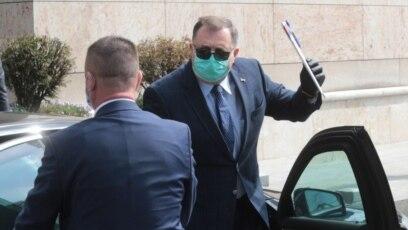 Milorad Dodik pred sastanak sa stranim diplomatama u BiH, april 2020