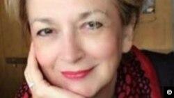 Soprana Ioana Bentoiu, fiica scriitoarei Annie Bentoiu si a muzicologului, Pascal Bentoiu