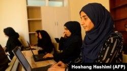 آرشیف، شماری از دختران افغان