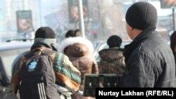 Аялдамадағы диспетчер. Алматы, 26 қараша 2012 жыл.