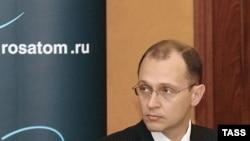 در هيئت روسی که به تهران وارد شده است، سرگئی کیرينکو، رييس آژانس فدرال اتمی روسيه حضور ندارد. (عکس: ITAR-TASS)