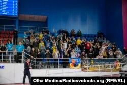 Українські вболівальники на домашньому матчі в Запоріжжі