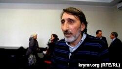 Qırımtatar halqınıñ aq-uquqlarını qorçalav komitetiniñ koordinatorı Sinaver Kadırov