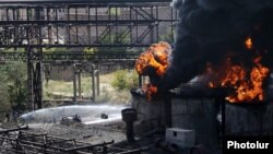 Armenia - A fire rages in the Nairit chemical plant in Yerevan, 28Aug2017.